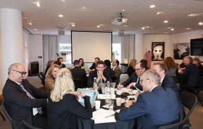 Vauhdikasta Roundtable-keskustelua Ruotsin suurlähetystössä credits: Mikko Keränen